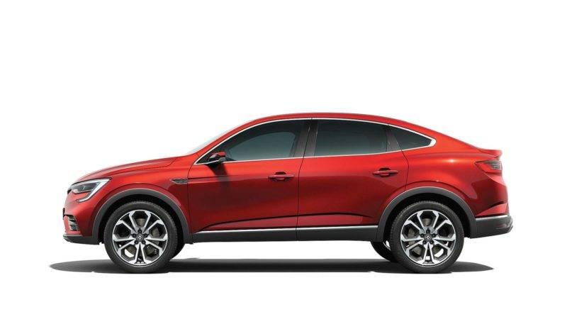 Если рассматривать автомобиль с боковой части, то он будет напоминать Мерседес Gle-класса.