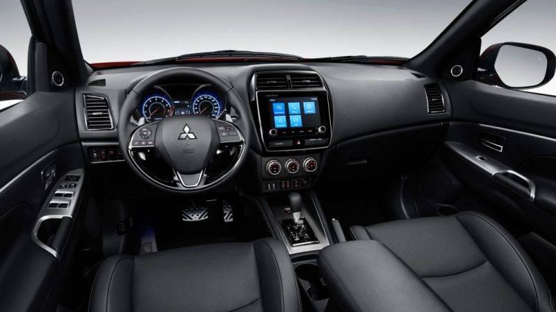 Салон Mitsubishi Outlander Sport нового поколения.