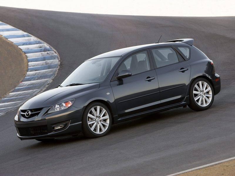 Прошлое поколение Mazdaspeed 3, по словам инженера, тоже вышло откровенно сырым.