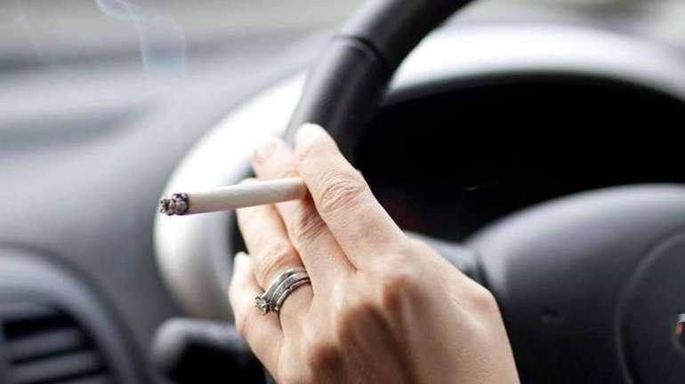 Может ли сотрудник дпс выписать штраф за курение за рулем? разбираем вопрос