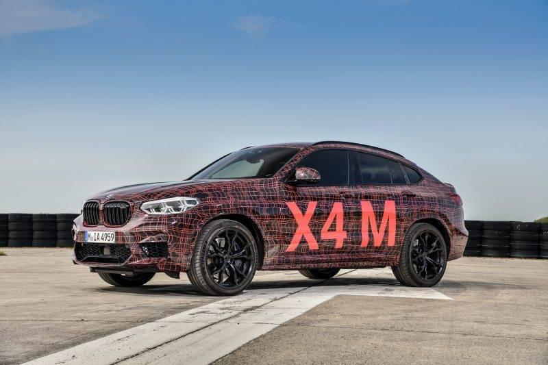 BMW X4M.