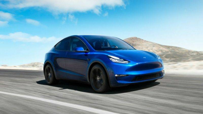 Внешне Model Y сильно похожа на Model 3.