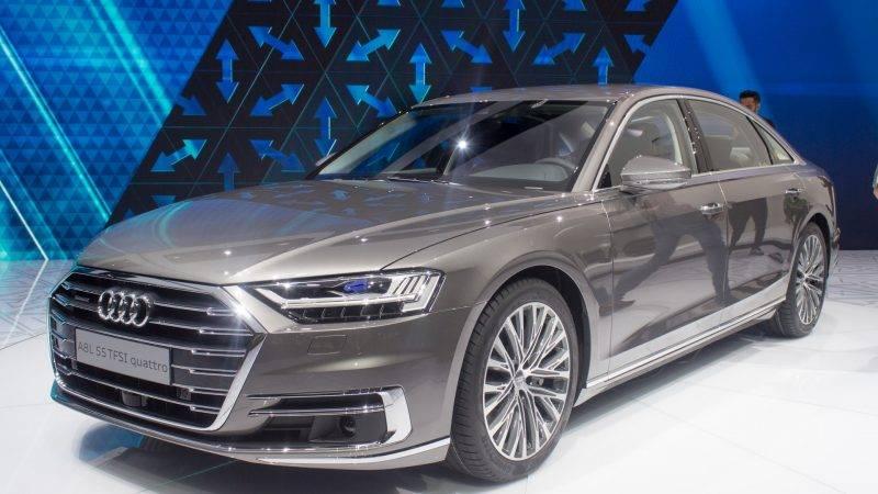 Audi A8 2019 года.